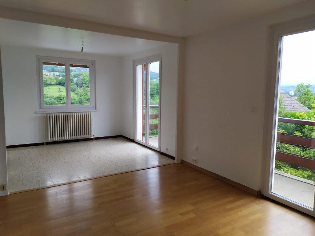 Appartement à louer 4 90.1m2 à Cranves-Sales vignette-4