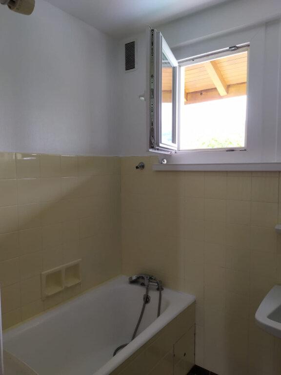 Appartement à louer 4 90.1m2 à Cranves-Sales vignette-5