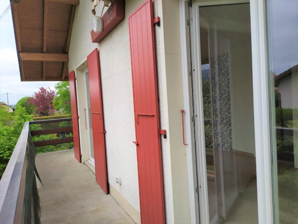 Appartement à louer 4 90.1m2 à Cranves-Sales vignette-8