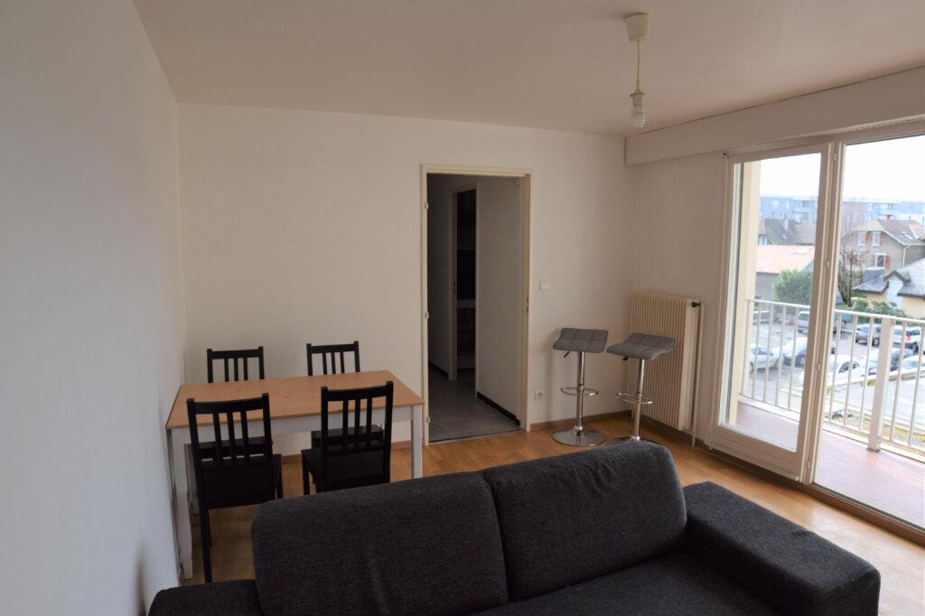 Appartement à louer 2 39.61m2 à Annemasse vignette-2
