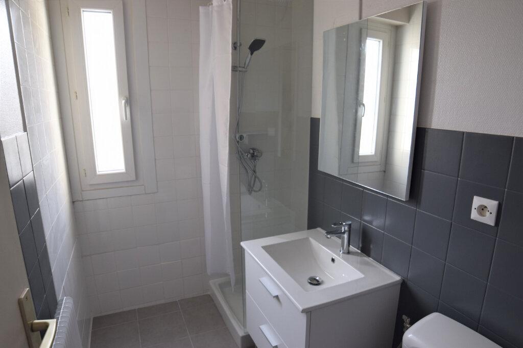 Appartement à louer 2 39.61m2 à Annemasse vignette-6