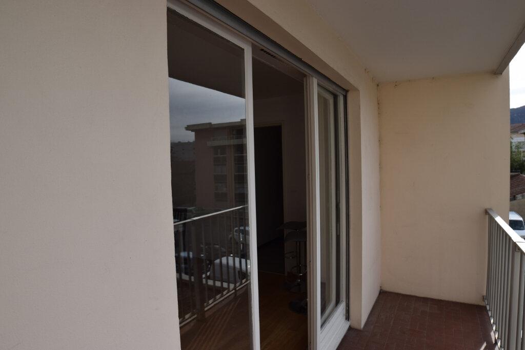 Appartement à louer 2 39.61m2 à Annemasse vignette-8