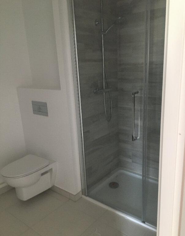 Appartement à louer 2 43.24m2 à Annemasse vignette-4