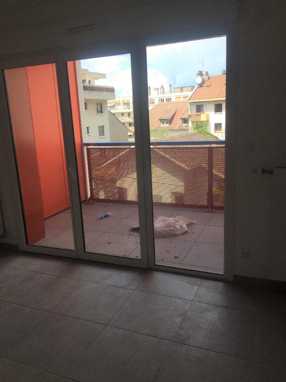 Appartement à louer 2 43.24m2 à Annemasse vignette-5