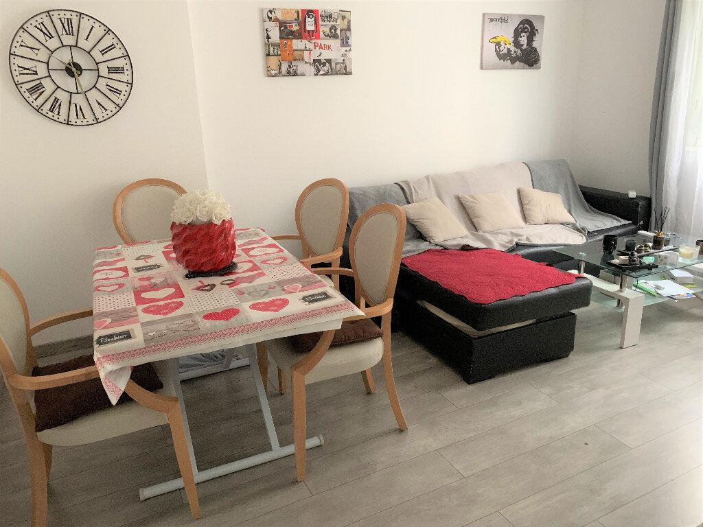 Appartement à louer 4 62.17m2 à L'Escarène vignette-4