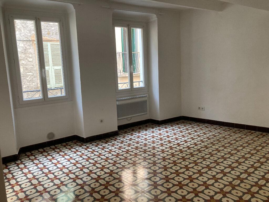 Appartement à louer 2 45.1m2 à L'Escarène vignette-1