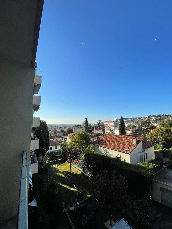 Appartement à louer 3 58m2 à Nice vignette-2