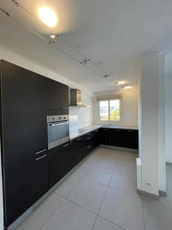 Appartement à louer 3 58m2 à Nice vignette-3