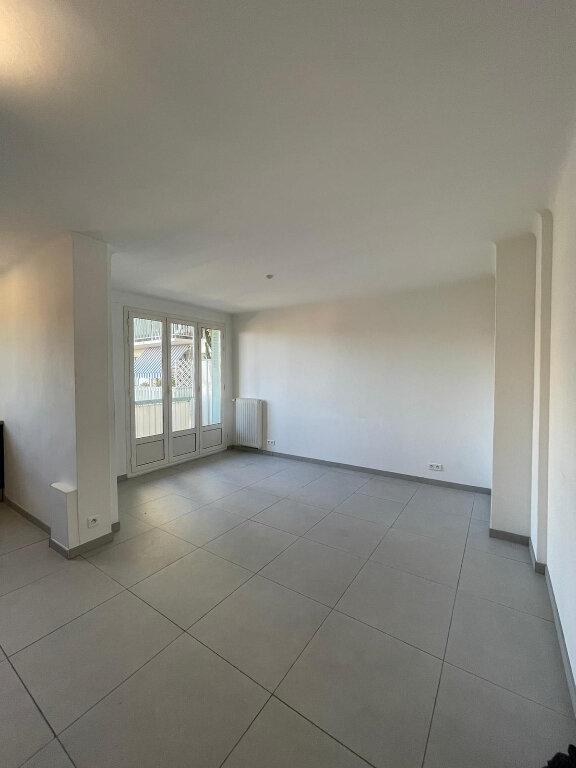 Appartement à louer 3 58m2 à Nice vignette-4
