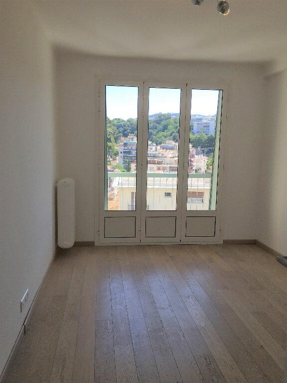 Appartement à louer 3 58m2 à Nice vignette-5