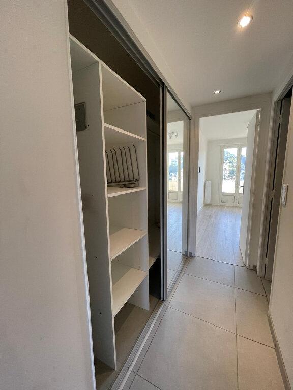 Appartement à louer 3 58m2 à Nice vignette-6