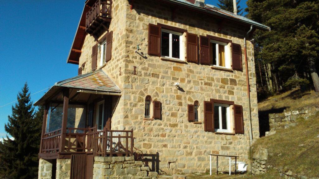 Maison à louer 3 62.37m2 à La Brigue vignette-1