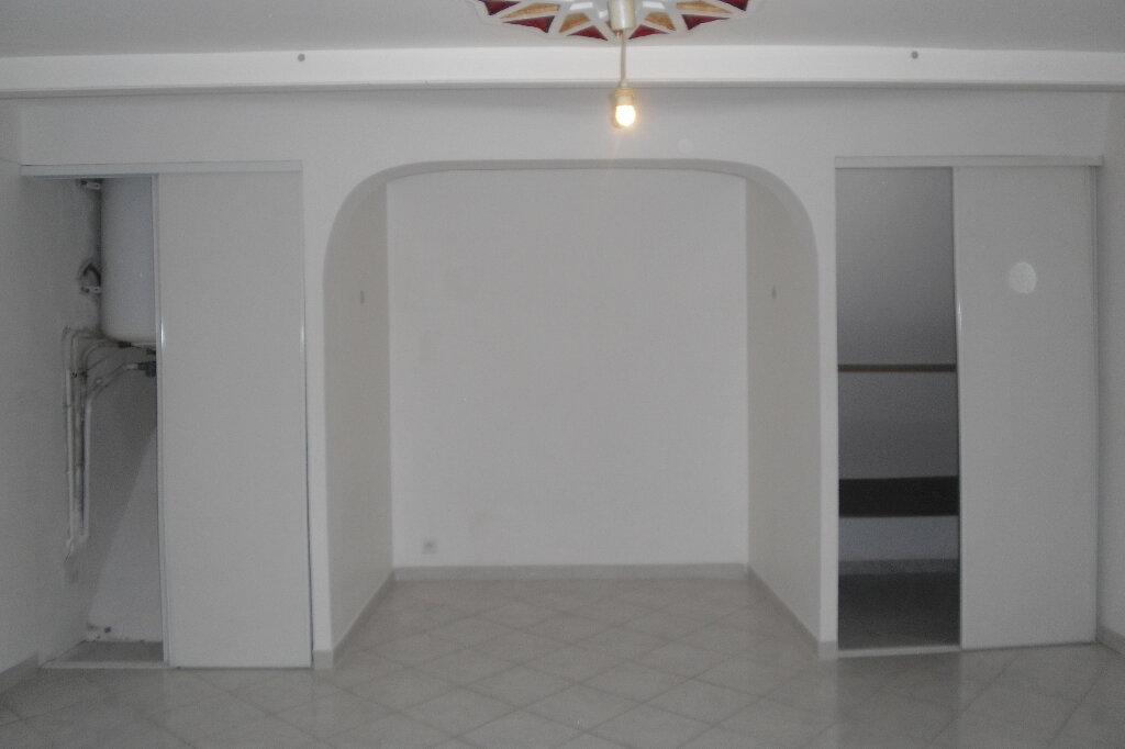 Appartement à louer 3 59m2 à L'Escarène vignette-5