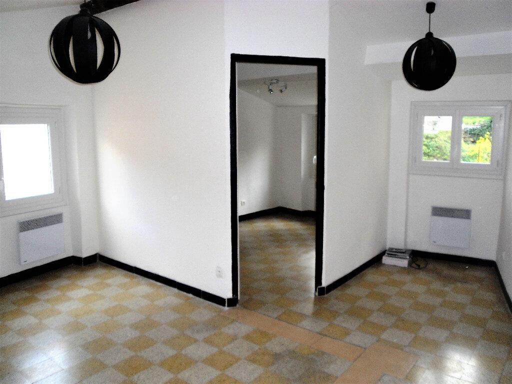 Appartement à louer 2 26.56m2 à L'Escarène vignette-1