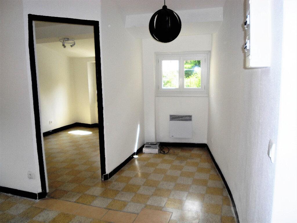 Appartement à louer 2 26.56m2 à L'Escarène vignette-4
