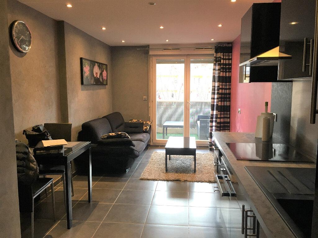 Appartement à louer 2 33.6m2 à Saint-André-de-la-Roche vignette-4