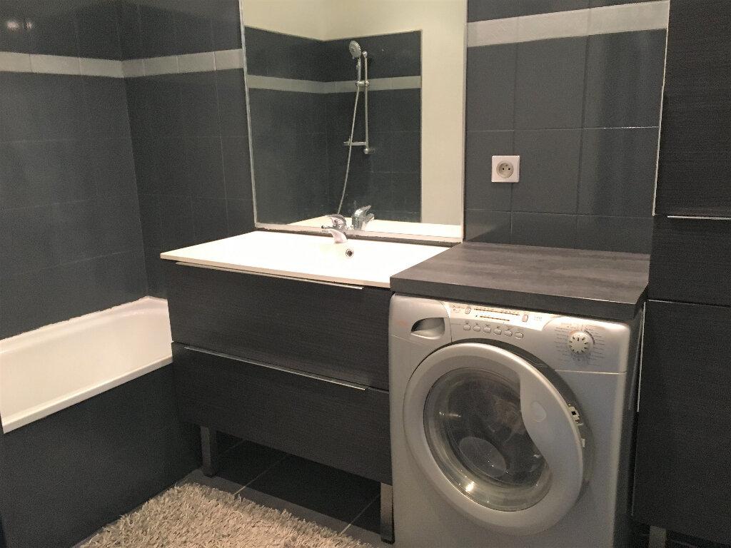 Appartement à louer 2 33.6m2 à Saint-André-de-la-Roche vignette-5