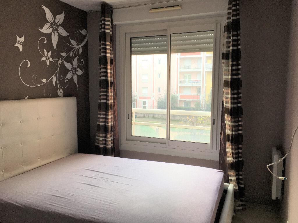 Appartement à louer 2 33.6m2 à Saint-André-de-la-Roche vignette-6