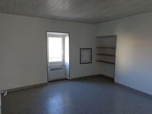 Appartement à louer 3 70m2 à Les Mages vignette-2