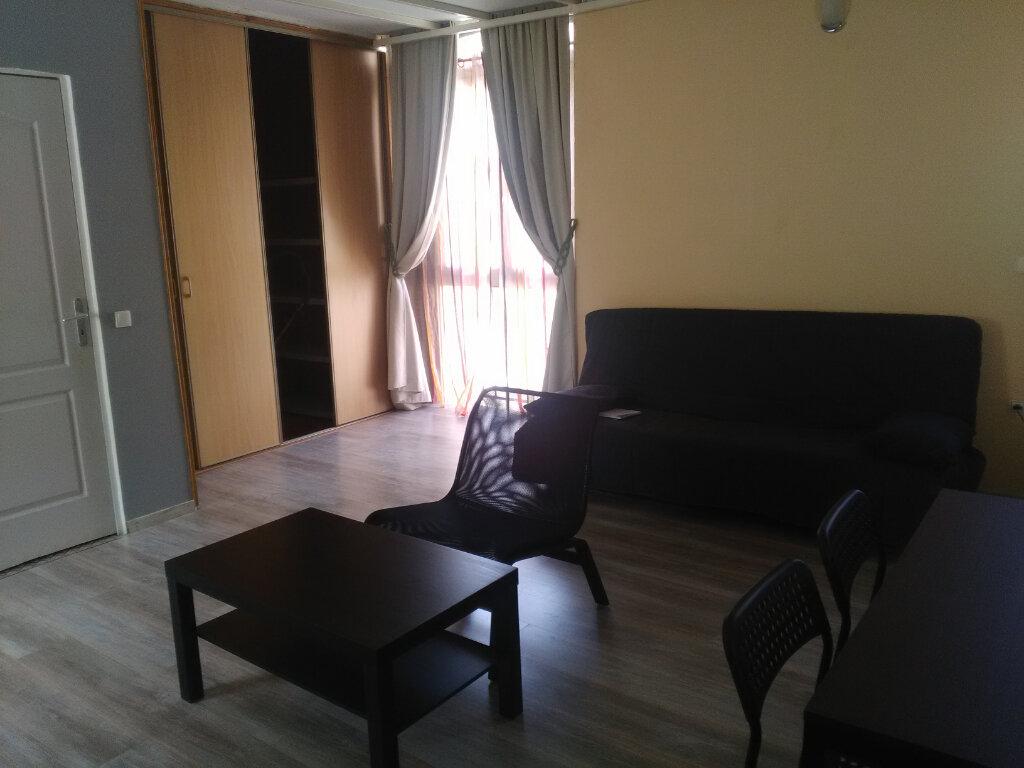 Appartement à louer 1 41.14m2 à Meyrannes vignette-4