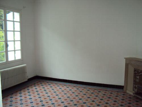 Maison à louer 4 115m2 à Les Salles-du-Gardon vignette-5