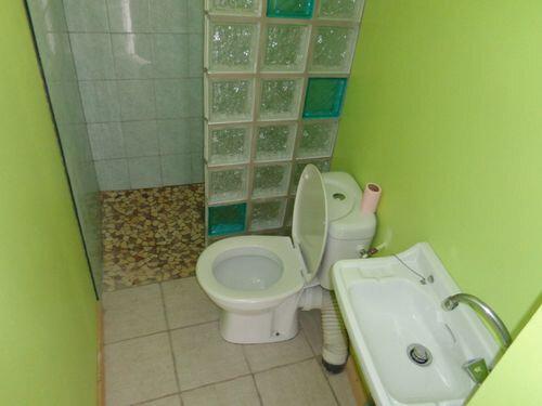 Appartement à louer 4 63.7m2 à Saint-Brès vignette-3
