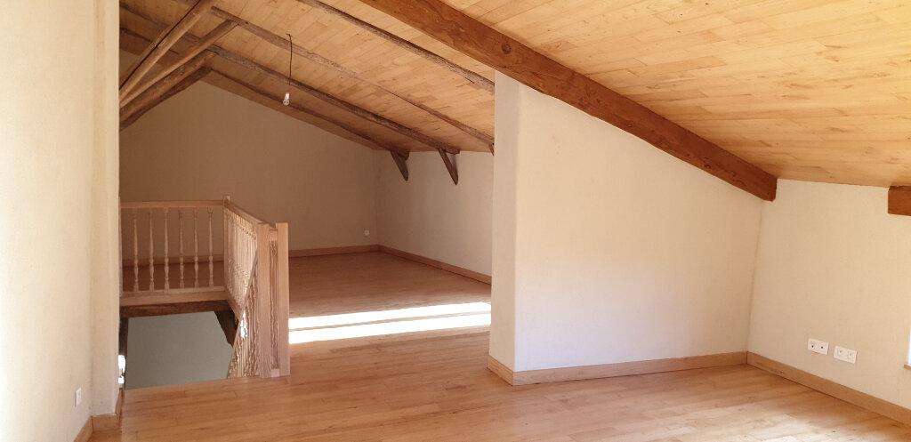 Appartement à louer 4 94m2 à Saint-Ambroix vignette-2