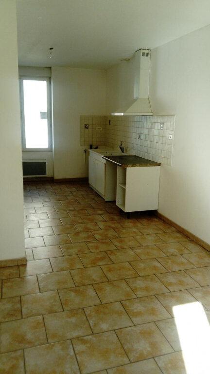 Appartement à louer 3 57m2 à Meyrannes vignette-2
