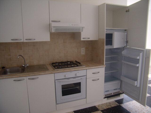 Appartement à louer 2 50m2 à Robiac-Rochessadoule vignette-1