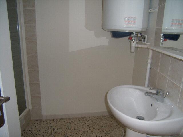 Appartement à louer 2 50m2 à Robiac-Rochessadoule vignette-4