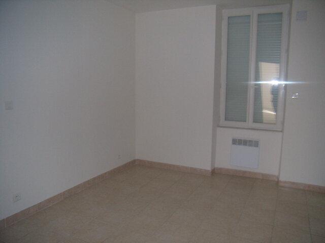 Appartement à louer 2 50m2 à Robiac-Rochessadoule vignette-5
