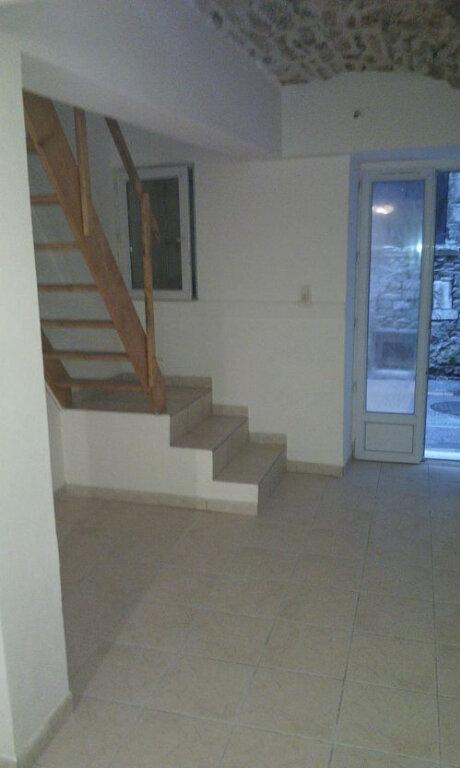 Appartement à louer 2 35m2 à Saint-Ambroix vignette-1
