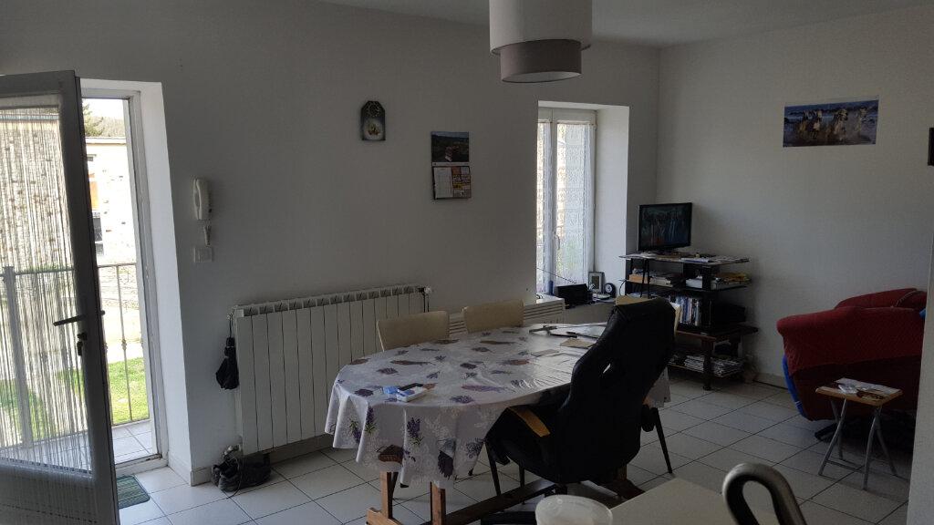 Appartement à louer 3 46m2 à Molières-sur-Cèze vignette-1