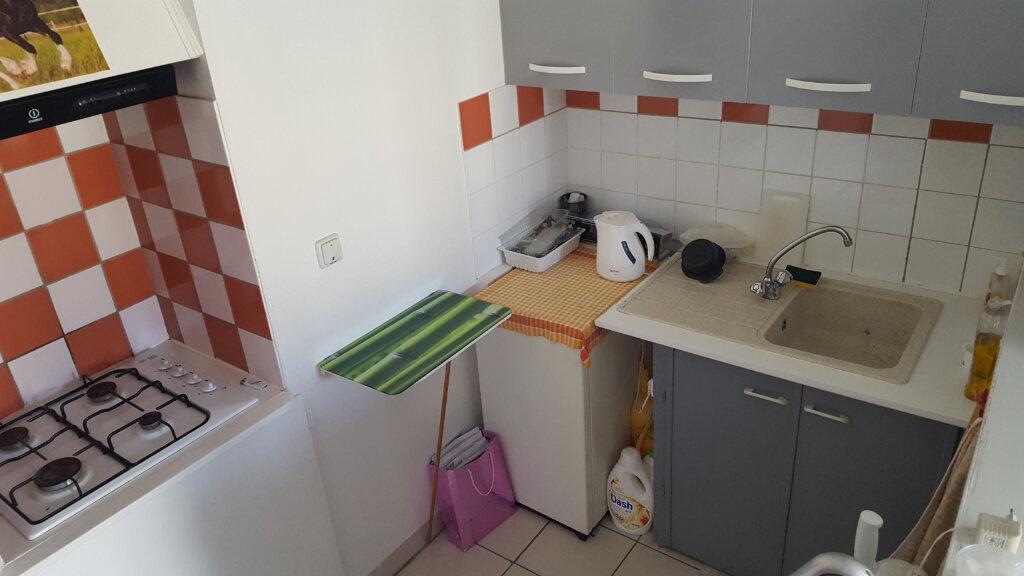 Appartement à louer 3 46m2 à Molières-sur-Cèze vignette-4