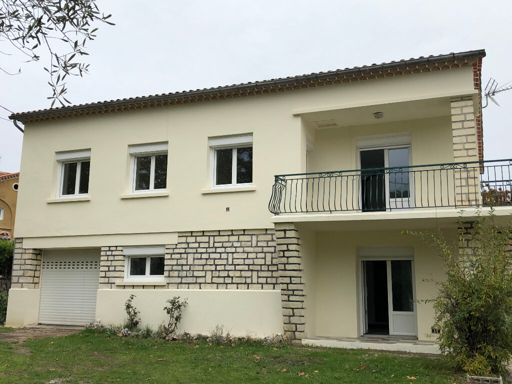 Maison à louer 5 123m2 à Saint-Ambroix vignette-1