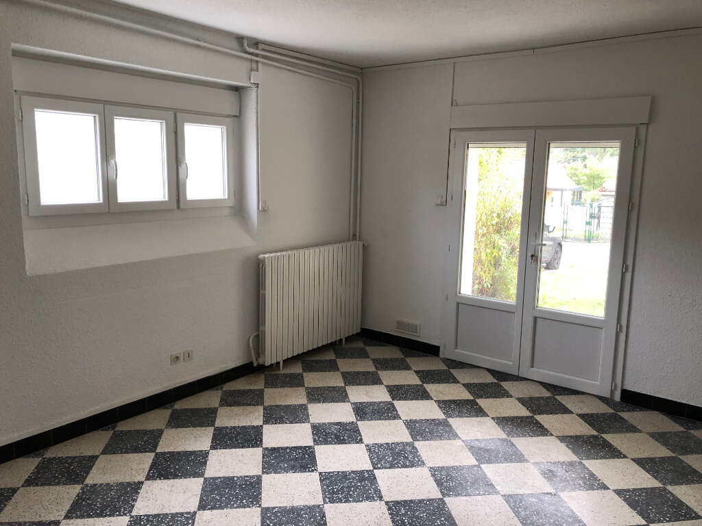 Maison à louer 5 123m2 à Saint-Ambroix vignette-4