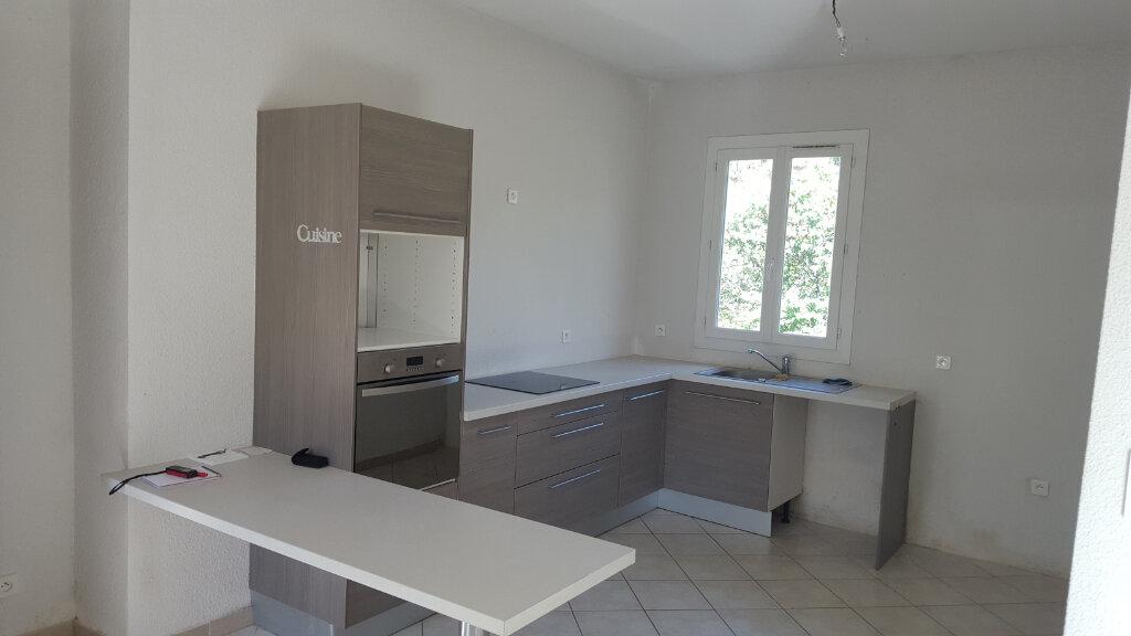 Maison à louer 3 67m2 à Meyrannes vignette-4