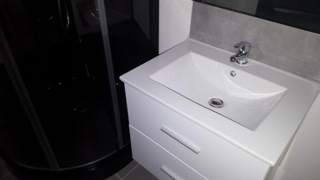 Appartement à louer 2 28.5m2 à Bessèges vignette-6