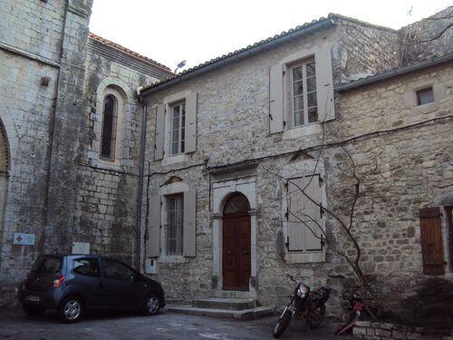 Appartement à louer 2 63m2 à Saint-André-de-Cruzières vignette-1