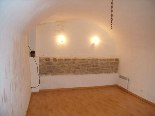 Maison à louer 2 78m2 à Saint-Victor-de-Malcap vignette-2