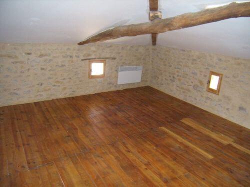 Maison à louer 2 78m2 à Saint-Victor-de-Malcap vignette-3