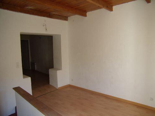 Maison à louer 2 78m2 à Saint-Victor-de-Malcap vignette-5