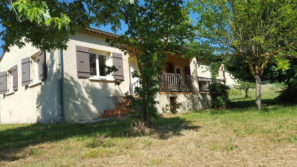 Maison à louer 3 89.3m2 à Saint-Jean-de-Maruéjols-et-Avéjan vignette-1