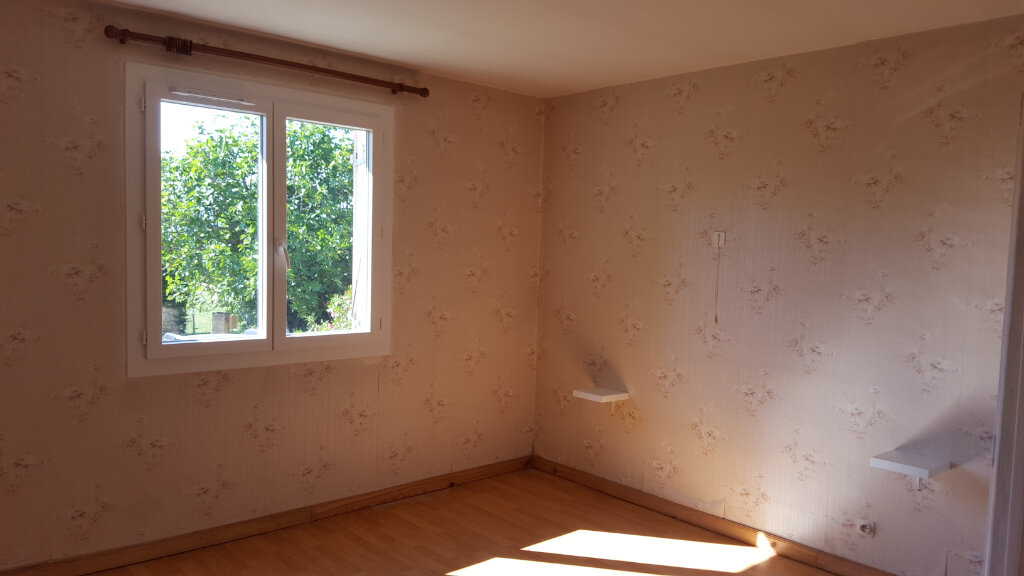Maison à louer 3 89.3m2 à Saint-Jean-de-Maruéjols-et-Avéjan vignette-9