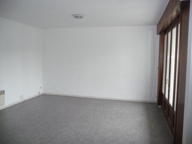 Appartement à louer 1 32m2 à Nancy vignette-2