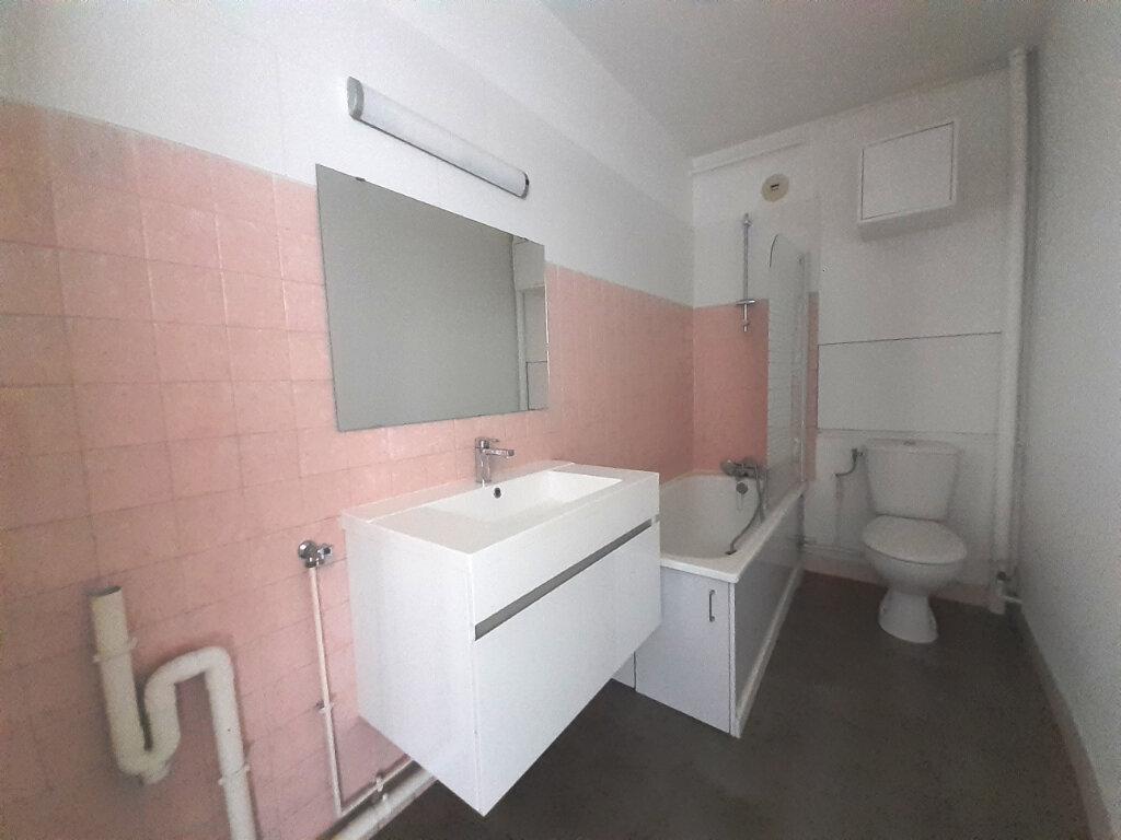 Appartement à louer 2 48.5m2 à Nancy vignette-8