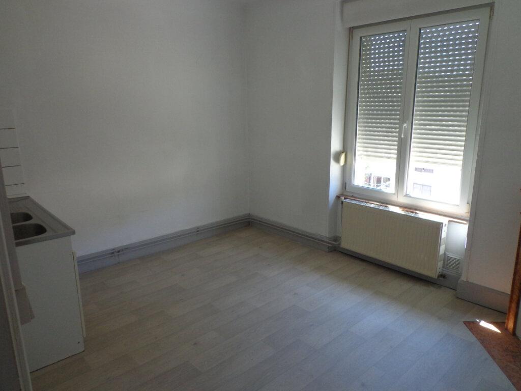Appartement à louer 4 83.75m2 à Nancy vignette-2