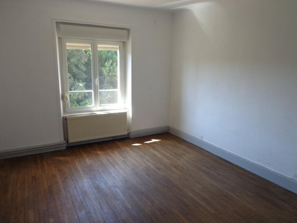 Appartement à louer 4 83.75m2 à Nancy vignette-3
