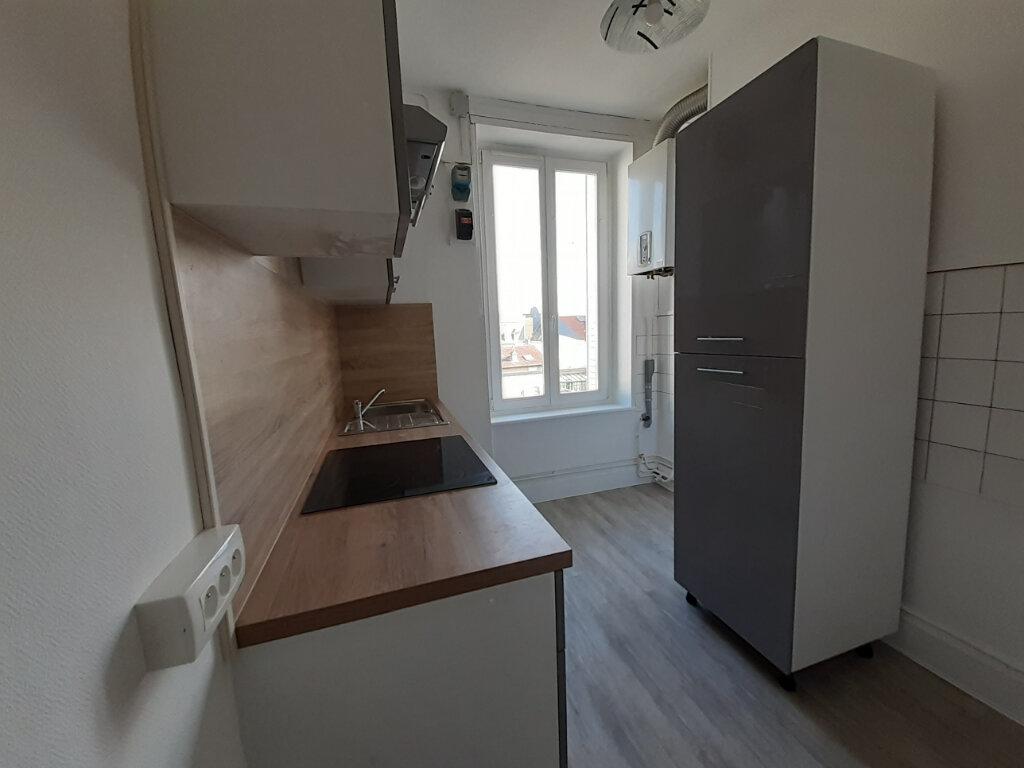 Appartement à louer 2 45.21m2 à Nancy vignette-2