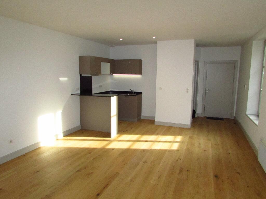 Appartement à louer 3 61.59m2 à Nancy vignette-2